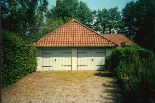 haus wohnzimmer oben:Garage Vorderansicht